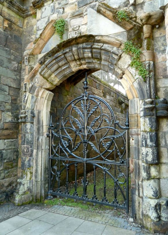 A Gate in Stirling